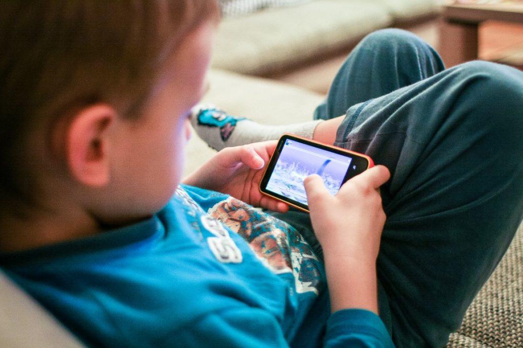 ¿Hacen un uso correcto del móvil nuestros hijos? Primerizos digitales